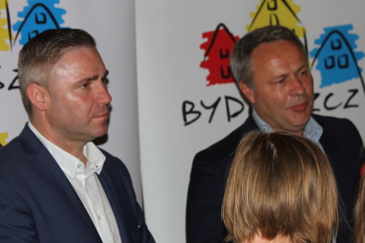 Bartłomiej Muszyński (Budimex), Rafał Bruski (prezydent Bydgoszczy)_ podpisanie umowy na prace w Młynach Rothera_ SF