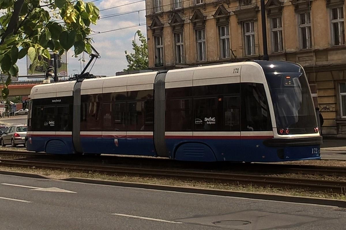 Pesa Swing_ tramwaj krótki - SF1 (1)