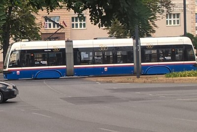 Pesa Swing_ tramwaj krótki - SF1 (2)