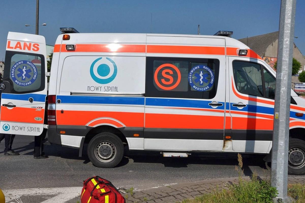 karetka pogotowia ratunkowego S_wypadek_na sygnale - Maciej Rejment
