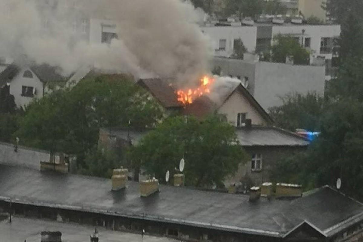 pożar budynku_bydgoszcz-szwederowo_nadesłane