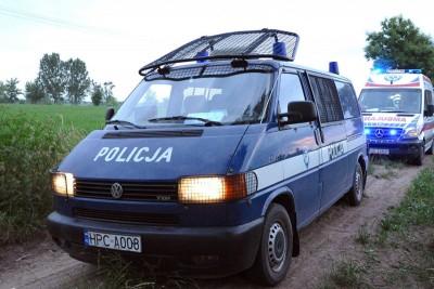 policja_ ambulans_ na sygnale - MR