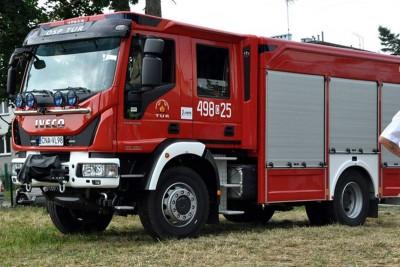 straż pożarna_wóz strażacki - na sygnale_ MR