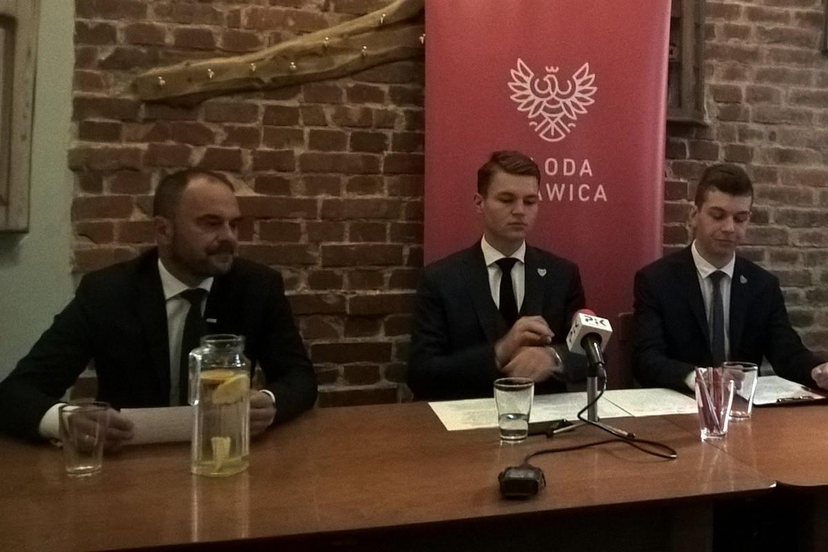 Adam Banaszak, Dobromir Szymański, Michał Wiłnicki_ konferencja Młodej Prawicy Bydgoszcz_ SF