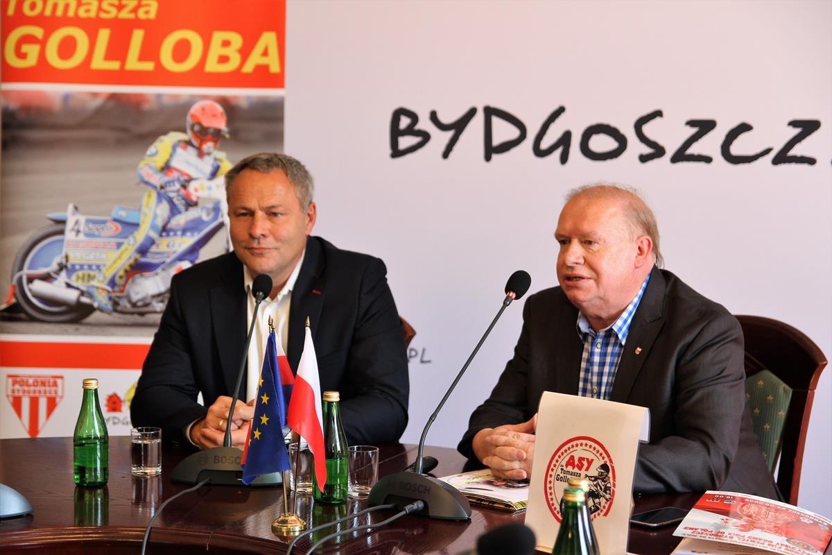 Rafał Bruski, Jerzy Kanclerz_ konferencja Asy dla Golloba_ SG