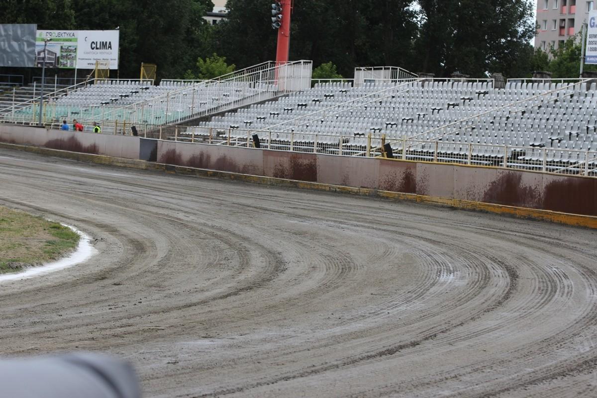 Stadion Polonii Bydgoszcz_ trybuna na sektorze B (przeciwległa prosta startowa)_ SF