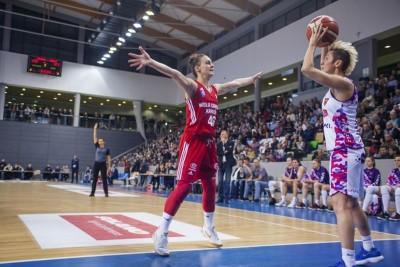 Tamara Radocaj_ Julie McBride - EBLK Artego Bydgoszcz-Wisła Can-Pack Kraków_ RW