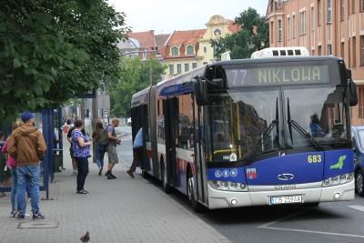 autobus 77 - kierunek Niklowa_ przystanek rondo Grunwaldzkie_ SF