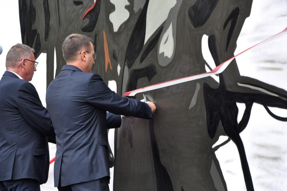odsłonięcie muralu powstańczego_ szubin_ MR