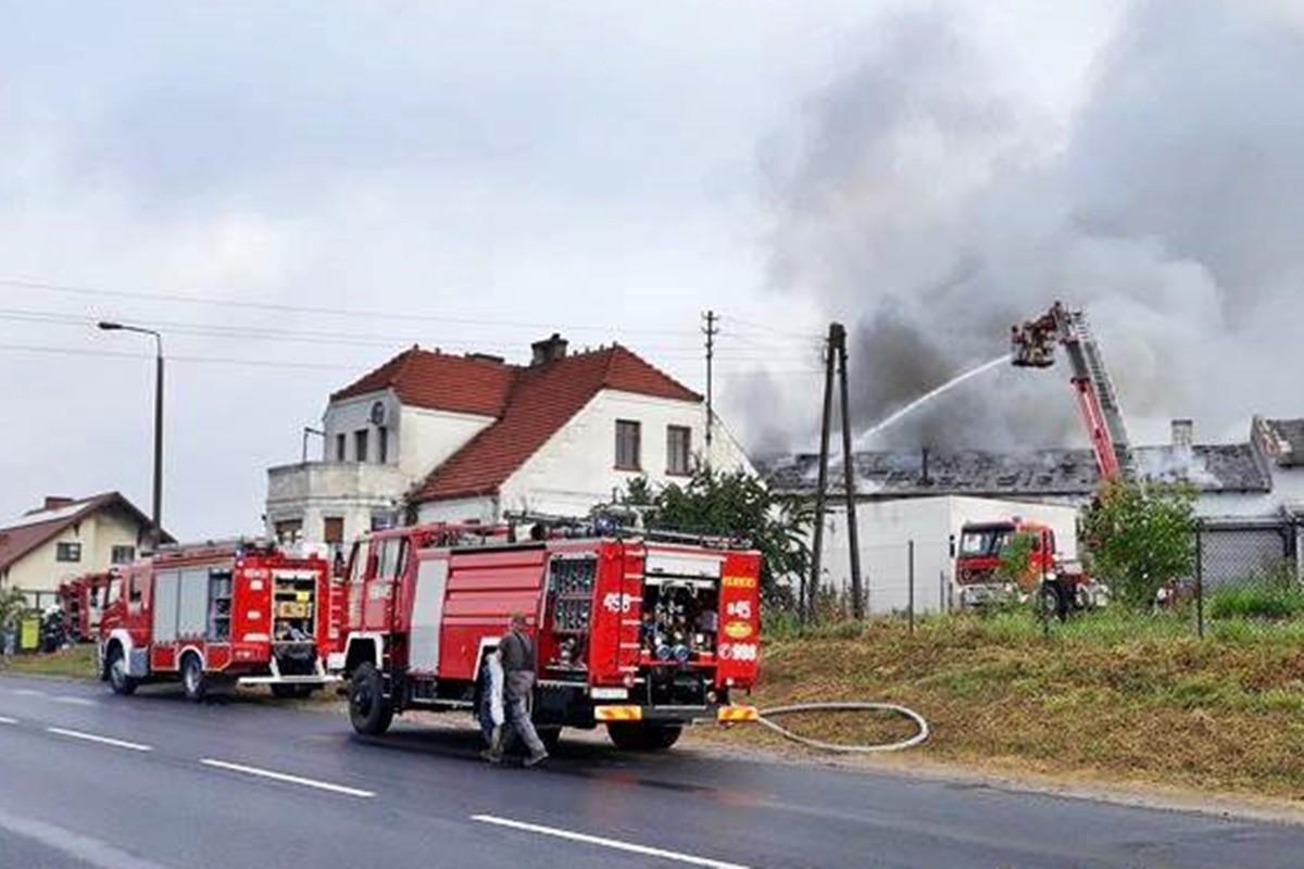 pożar magazynu_ Nakło nad Notecią - Zbigniew Kubisz