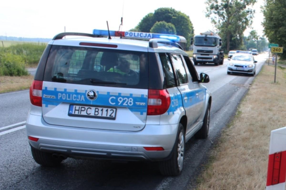 policja_ radiowóz_ na sygnale - KPP Świecie