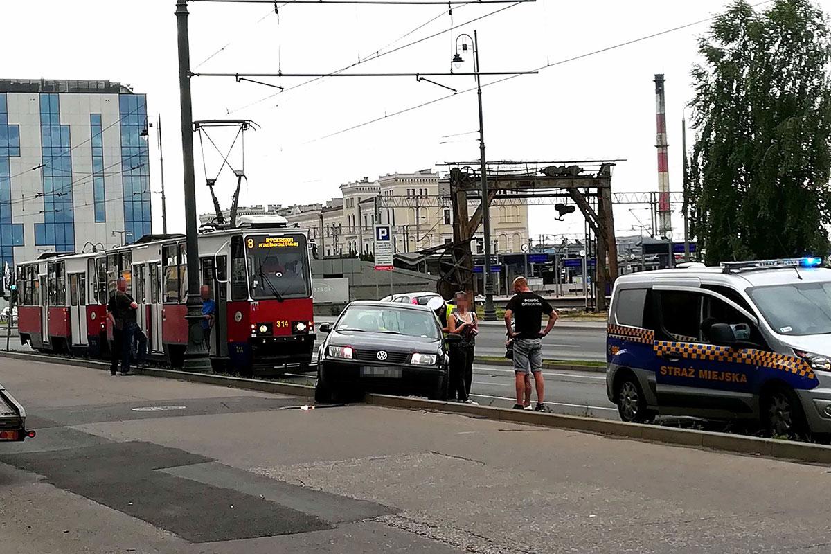 Zygmunta Augusta Bydgoszcz auto na torowisku