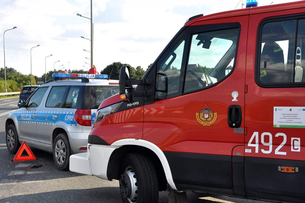 straż pożarna_ policja - na sygnale_ Maciej Rejment