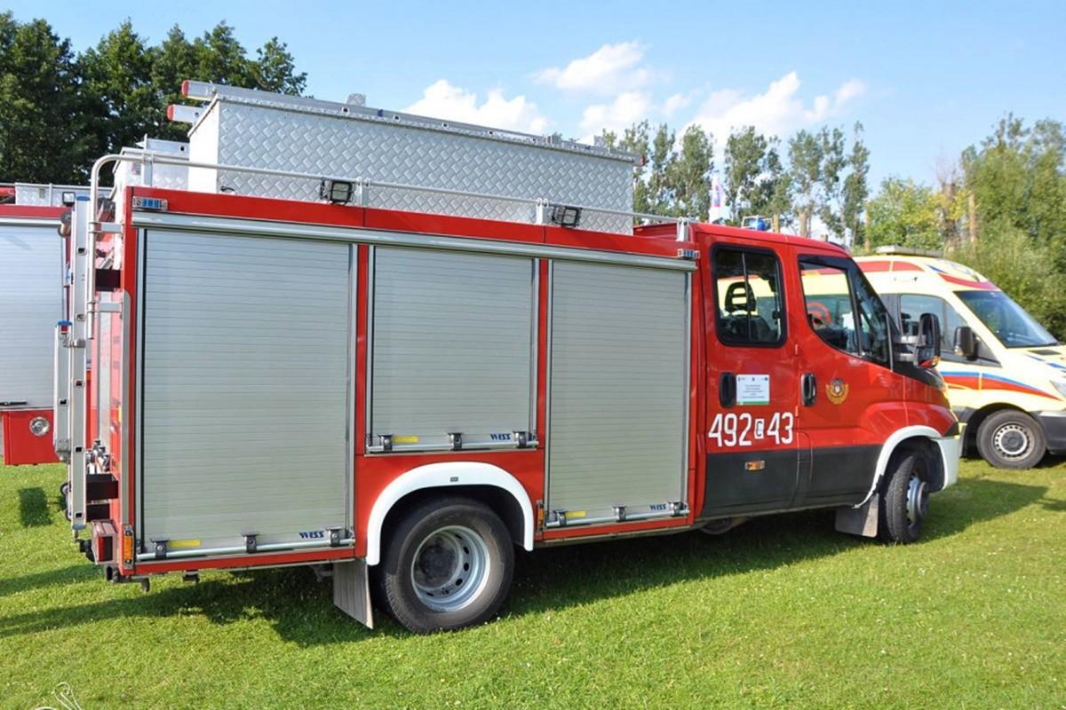 straż pożarna_ambulans -1- na sygnale_ Maciej Rejment