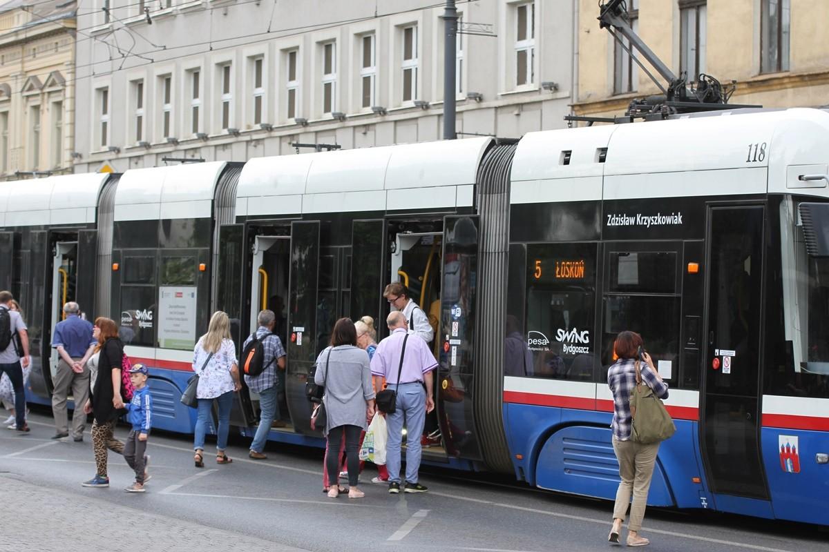 tramwaj_ linia nr 5_ kierunek Łoskoń - przystanek Plac Teatralny_ SF
