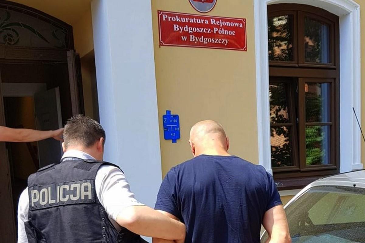 zatrzymanie podejrzanych_ posiadanie i handel narkotykami_ KWP Bydgoszcz (2)