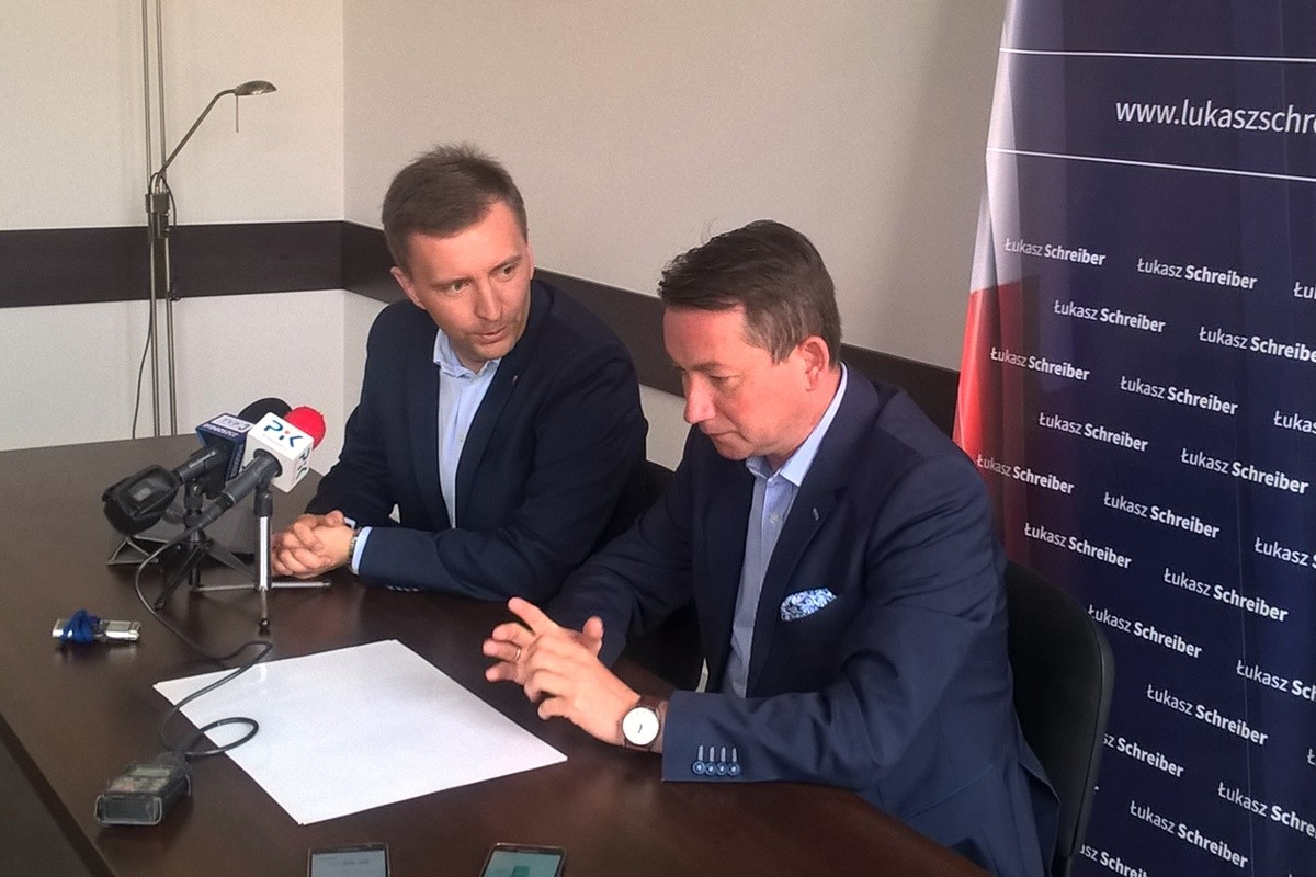 Łukasz Schreiber, Tomasz Rega_ konferencja PiS Bydgoszcz_ SF