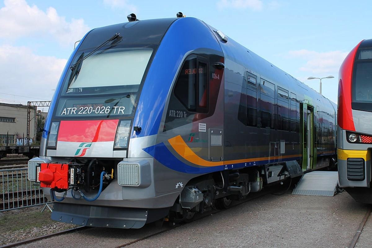 ATR220_pociąg Pesa Bydgoszcz_ Jakub Murat - wikipedia