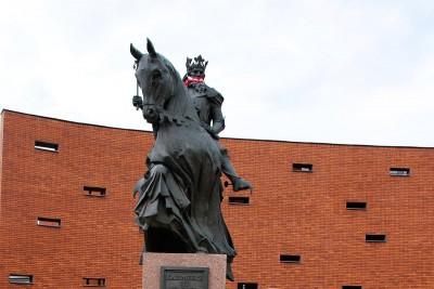 Pomnik Kaziemierza Wielkiego 2 (2)