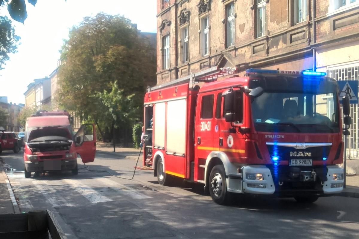 pożar auta dostawczego_ Pomorska-Bydgoszcz_ SF-3