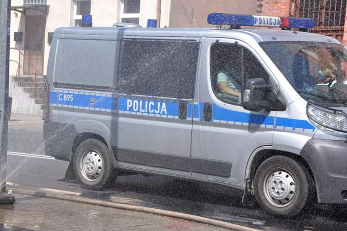 policja_radiowóz policyjny_na sygnale - Maciej Rejment