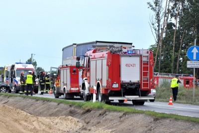 straż pożarna, policja, ambulans_ na sygnale - wypadek-1_ MR