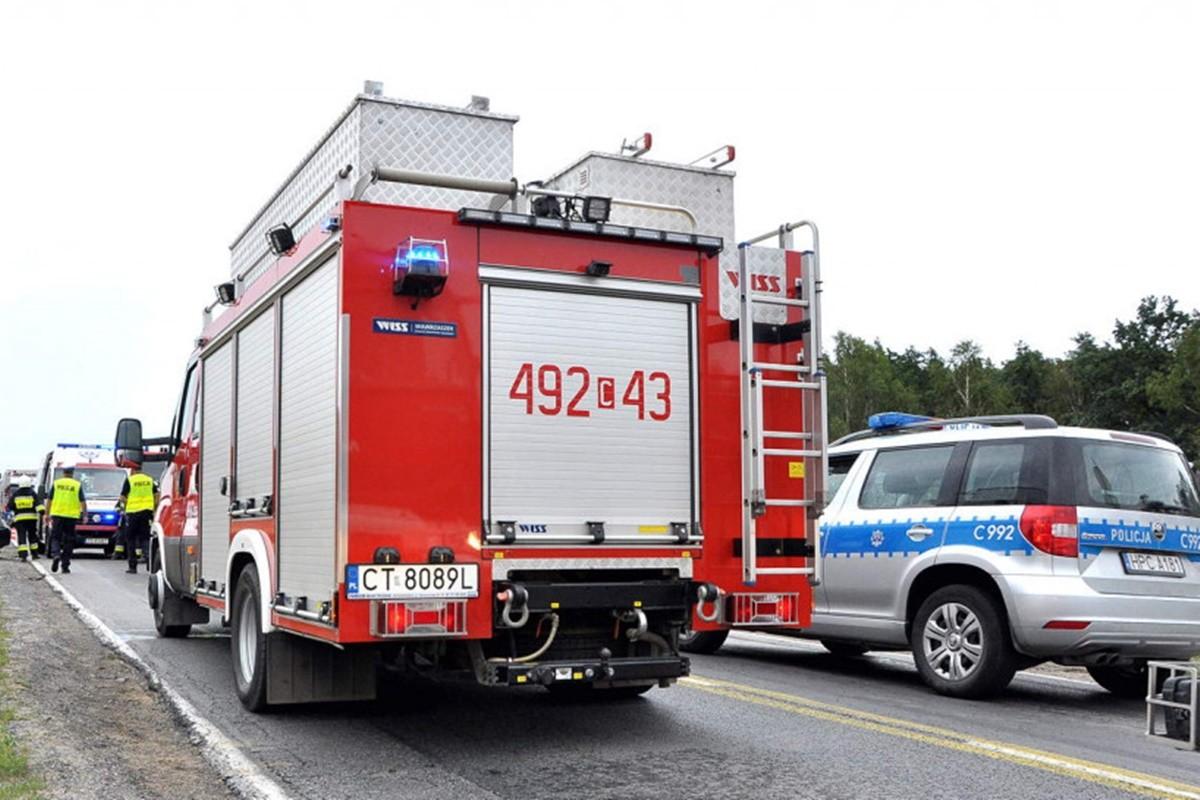straż pożarna_ wóz strażacki-na sygnale-2_ MR