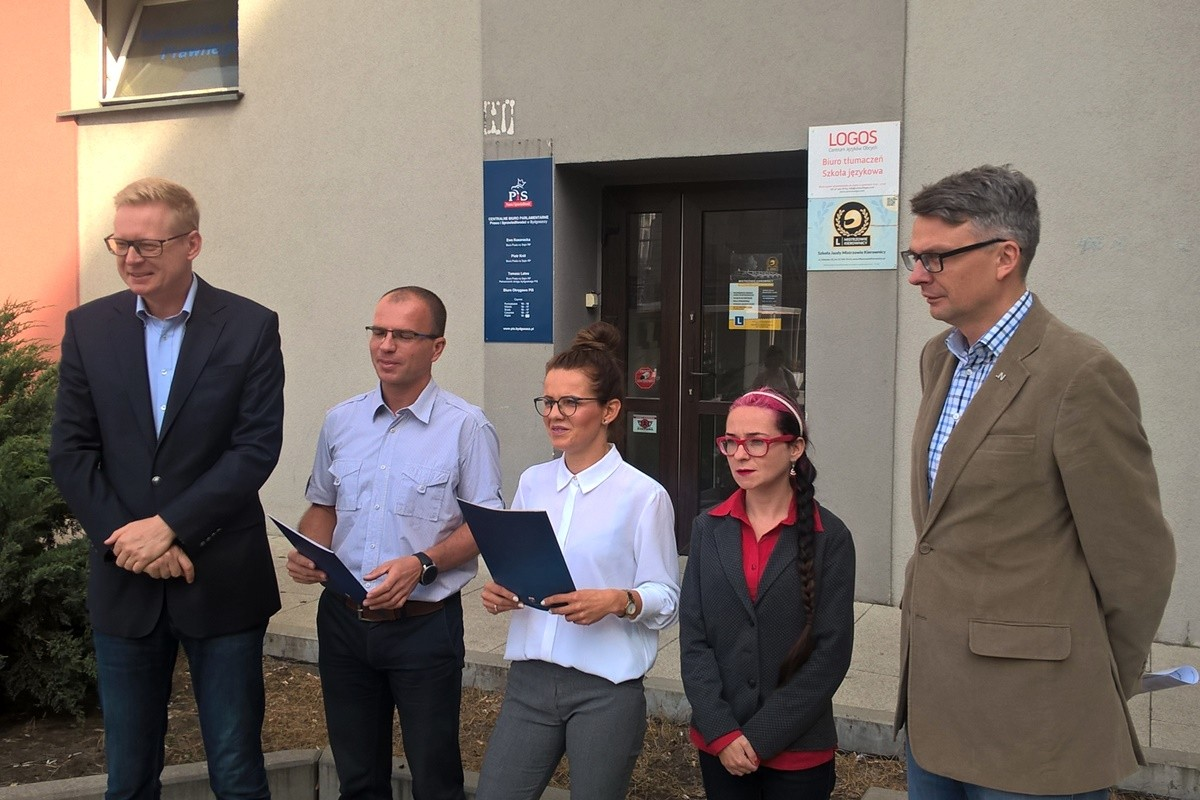 Michał Stasiński, Jakub Mikołajczak, Monika Matowska (PO), Magdalena Marcinkowska (SLD), Michał Grzybowski (.N) - konferencja ws. in vitro Bydgoszcz_ SF
