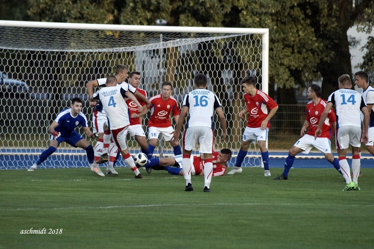 V liga, klasa okręgowa, grupa II_ piłka nożna_ Szubinianka Szubin-Lider Włocławek - AS (18)