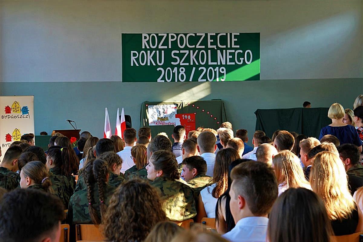 Zespół Szkół Medycznych_rozpoczęcie roku szkolnego_SG (1)