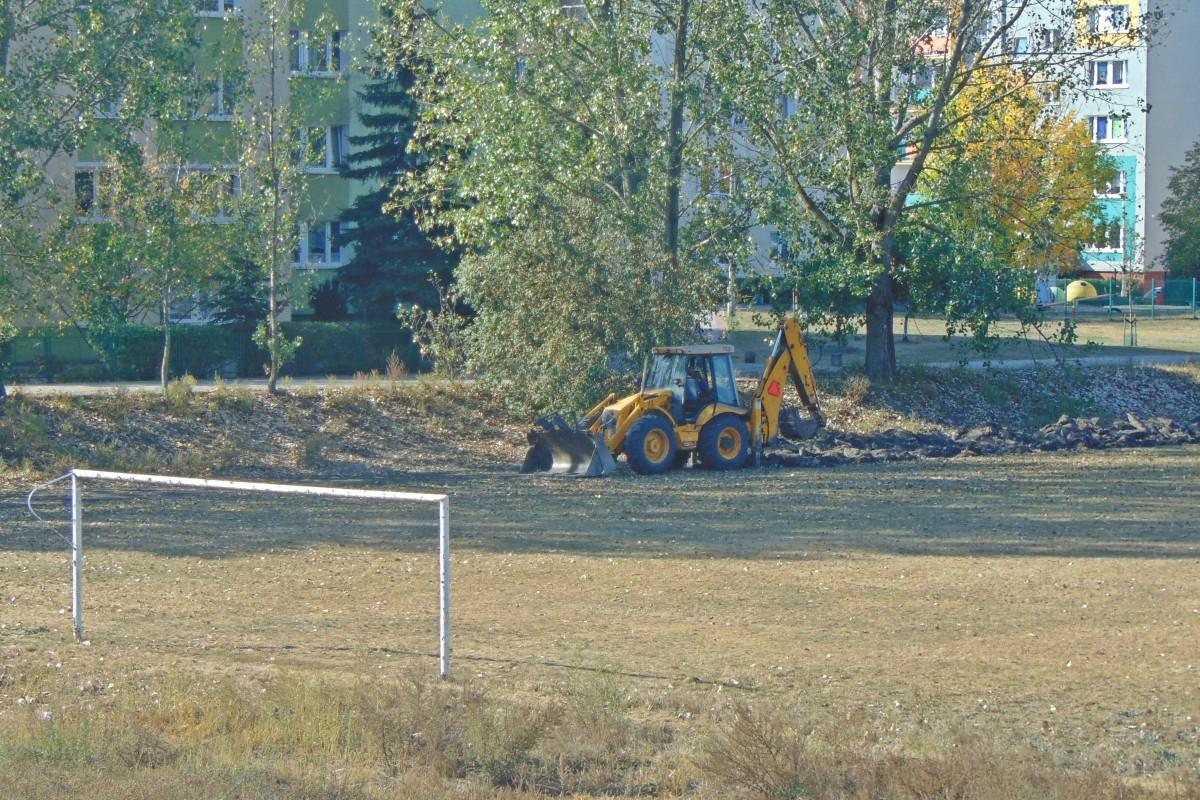 remont stadionu na piwnika bb