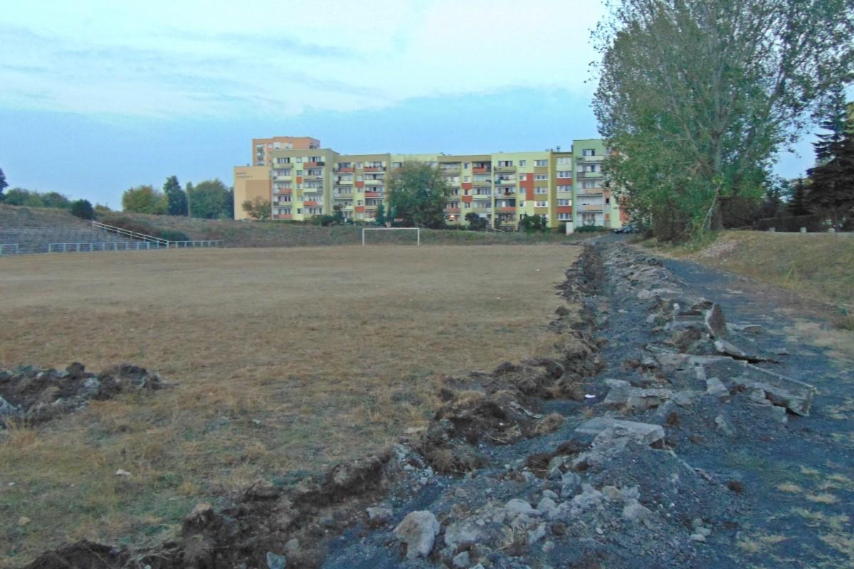 remont stadionu piwnika bb7