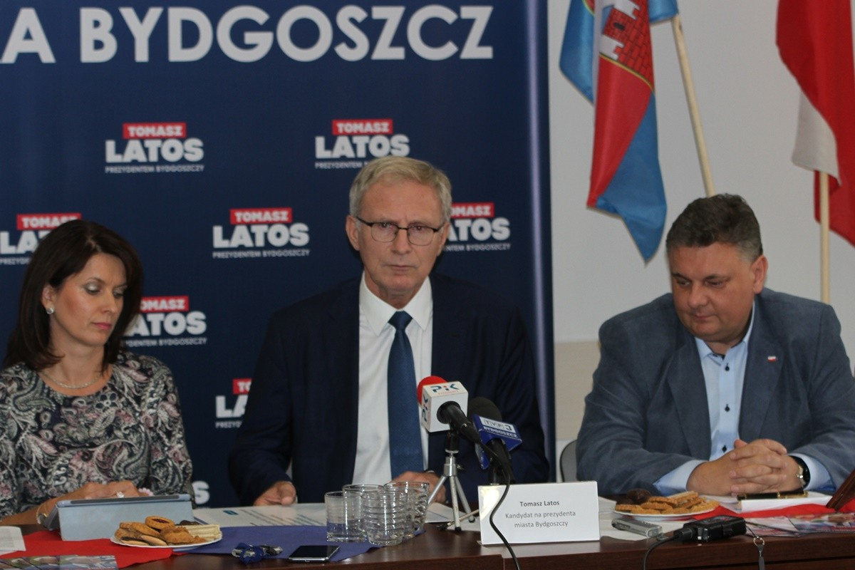 Ewa Kozanecka, Tomasz Latos, Piotr Król - konferencja PiS_ SF