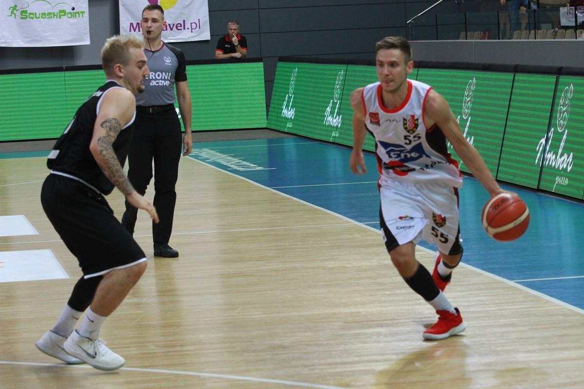 I liga koszykarzy_ Enea Astoria Bydgoszcz-AZS AGH Kraków_ Marcin Nowakowski - SF