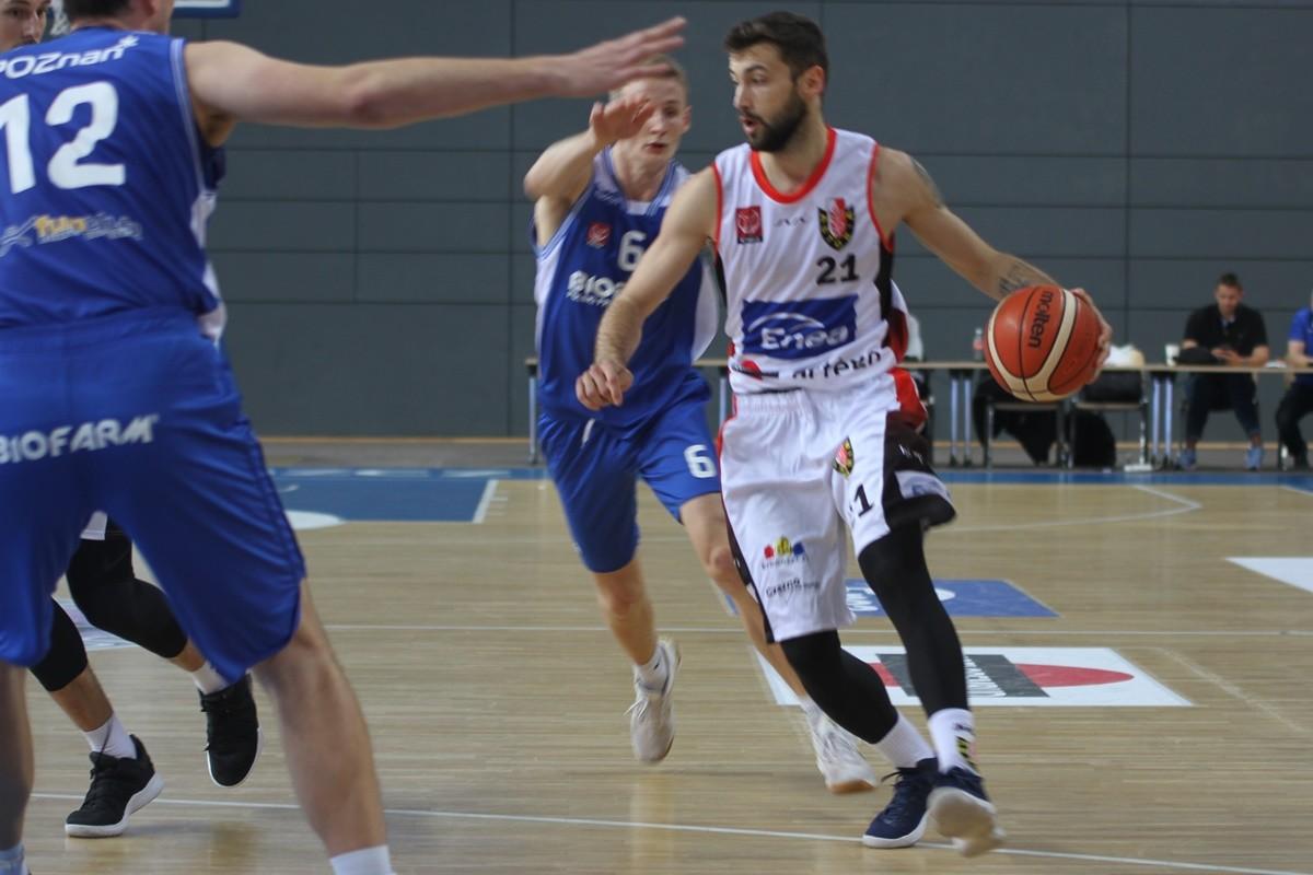 I liga koszykarzy_ Enea Astoria Bydgoszcz-Biofarm Basket Poznań_ Paweł Śpica - SF