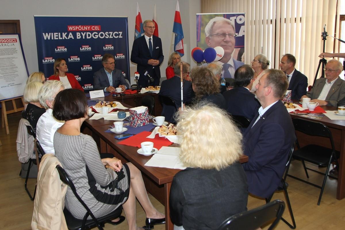 Komitet honorowy Tomasza Latosa_ SF