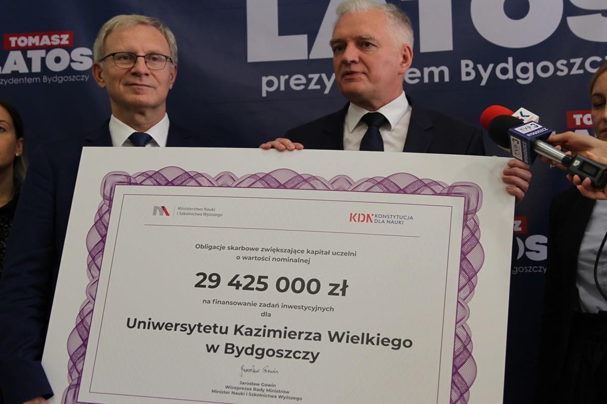 Tomasz Latos, Jarosław Gowin - konferencja w biurze PiS w Bydgoszczy - SF
