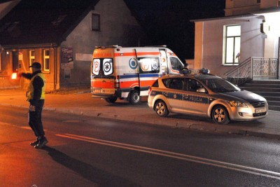 ambulans, policja_ na sygnale - Maciej Rejment