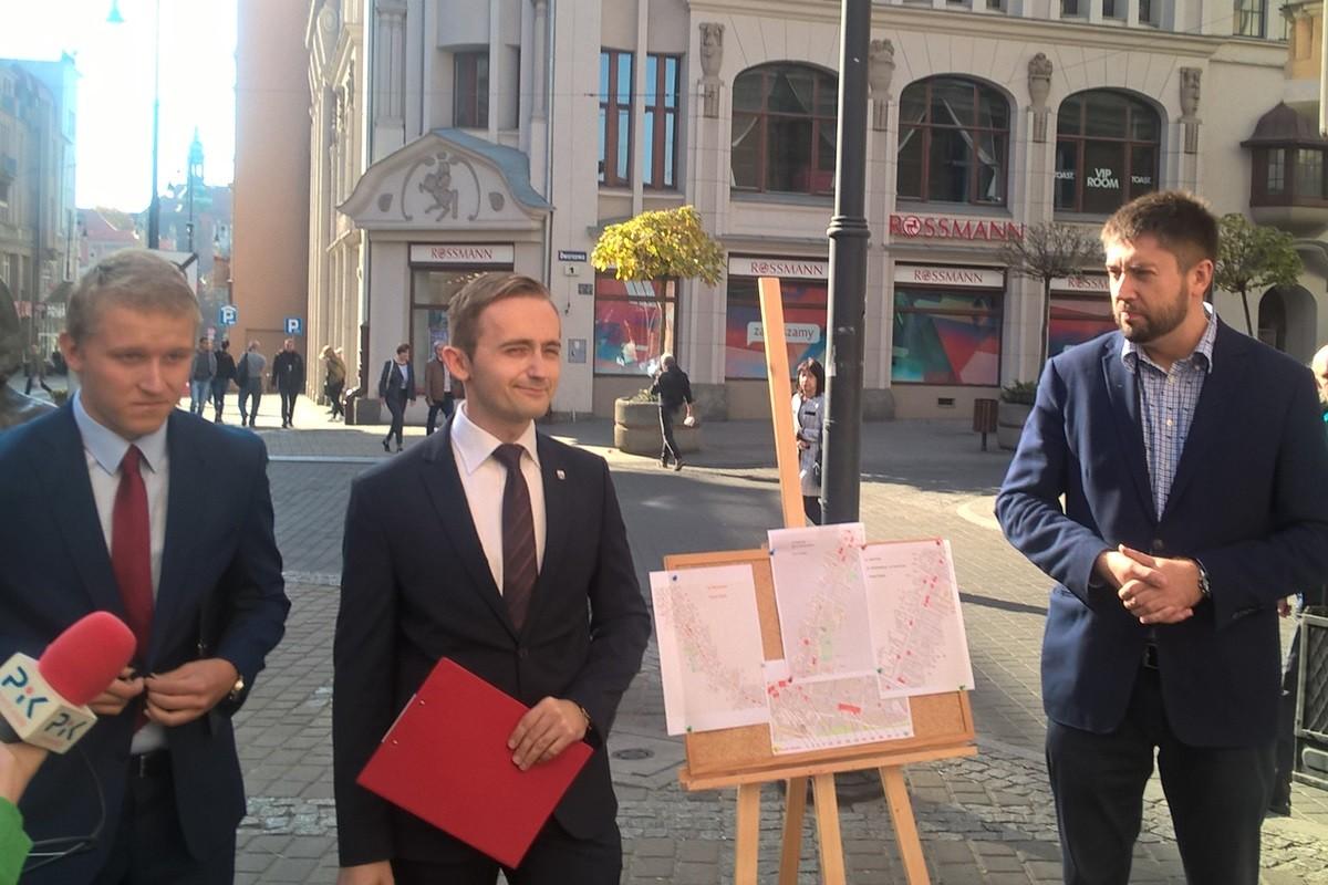 konferencja Forum Młodych PiS Bydgoszcz_ Patryk Mróz, Julian Drob, radny Jarosław Wenderlich - SF
