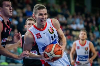 I liga koszykarzy_ Enea Astoria Bydgoszcz-WKK Wrocław_ Mikołaj Grod - Ryszard Wszołek