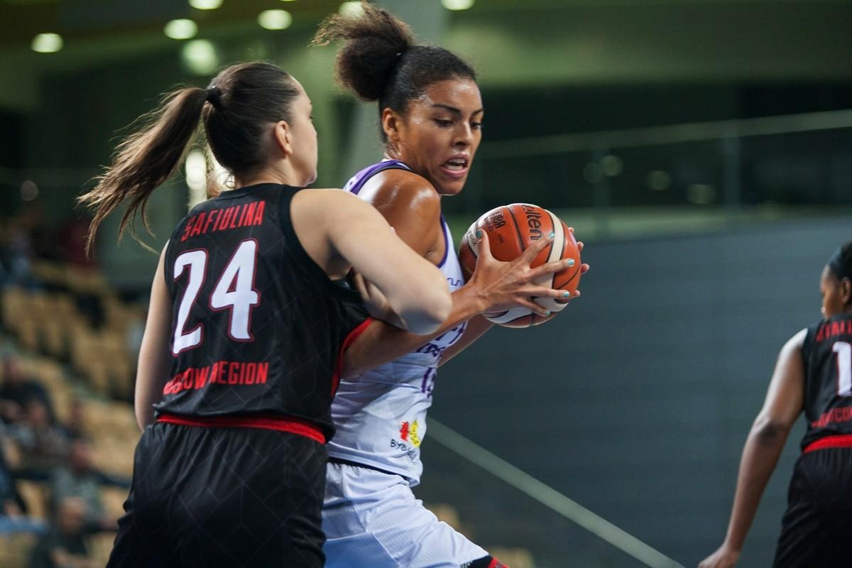 Puchar Europy FIBA_ Artego Bydgoszcz-Sparta&k Vidnoje Moskwa_ Ziomarra Morrison_ Ryszard Wszołek