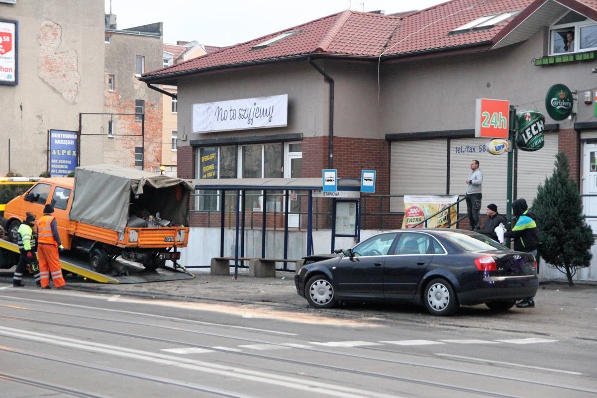 Wypadek Nakielska-przystanek_SG (4)