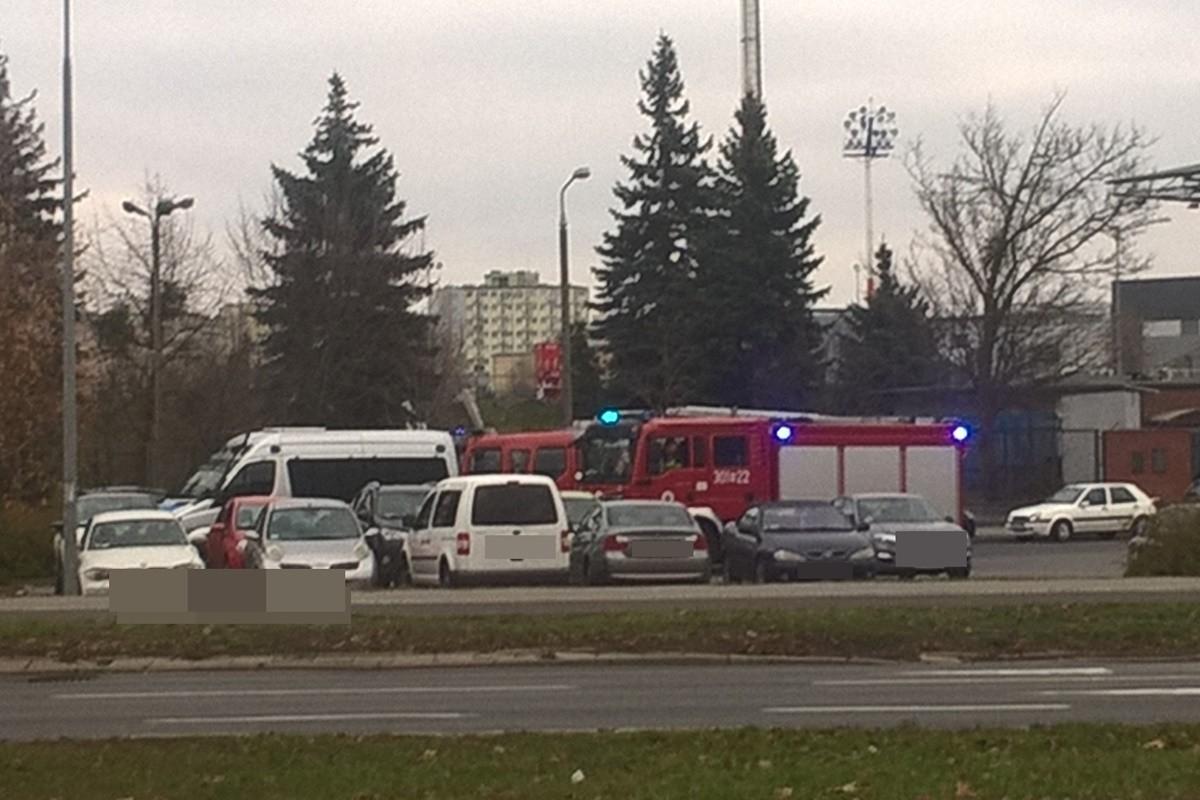 akcja służb_ Biedronka, ul. Sportowa_ SF (1)