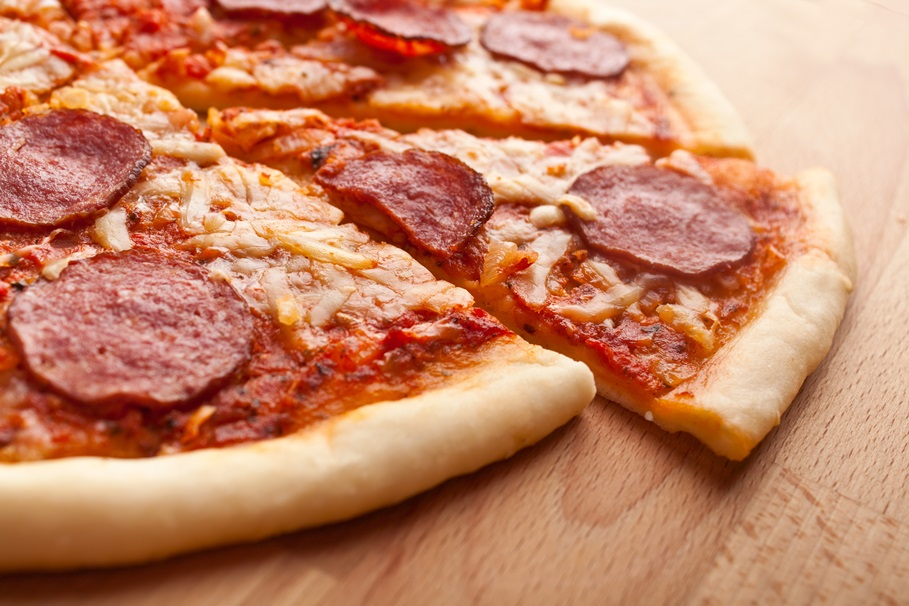 sliced  salami pizza