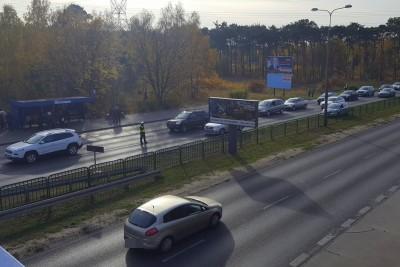 policyjna akcja Znicz 2018_ korek w pobliżu cmentarza ul. Wiślana_ KWP Bydgoszcz