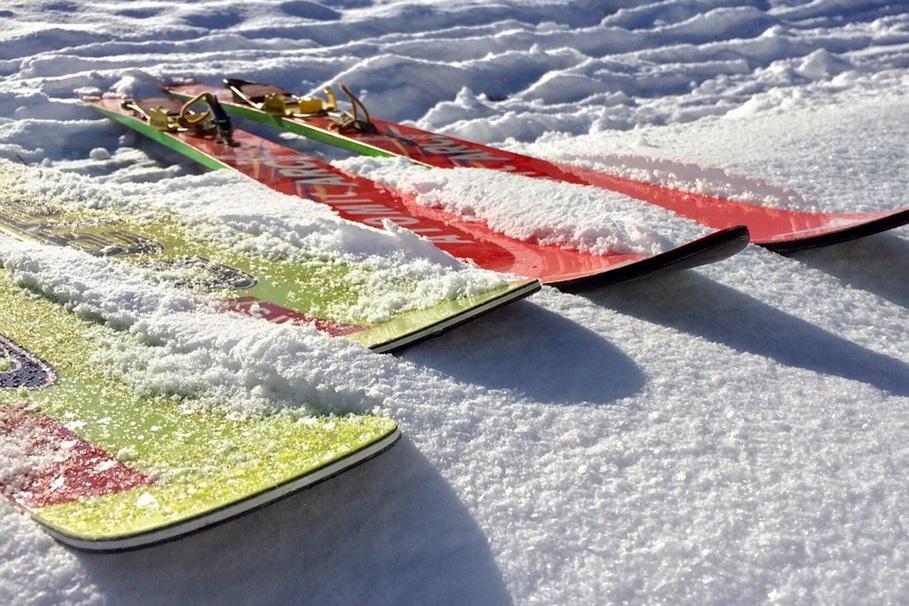 skis-584600_960_720