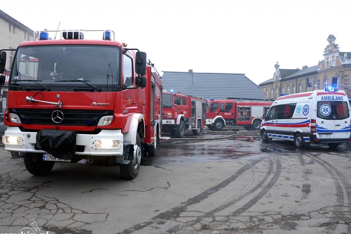 straż pożarna, ambulans_ na sygnale - Szubin_ MR