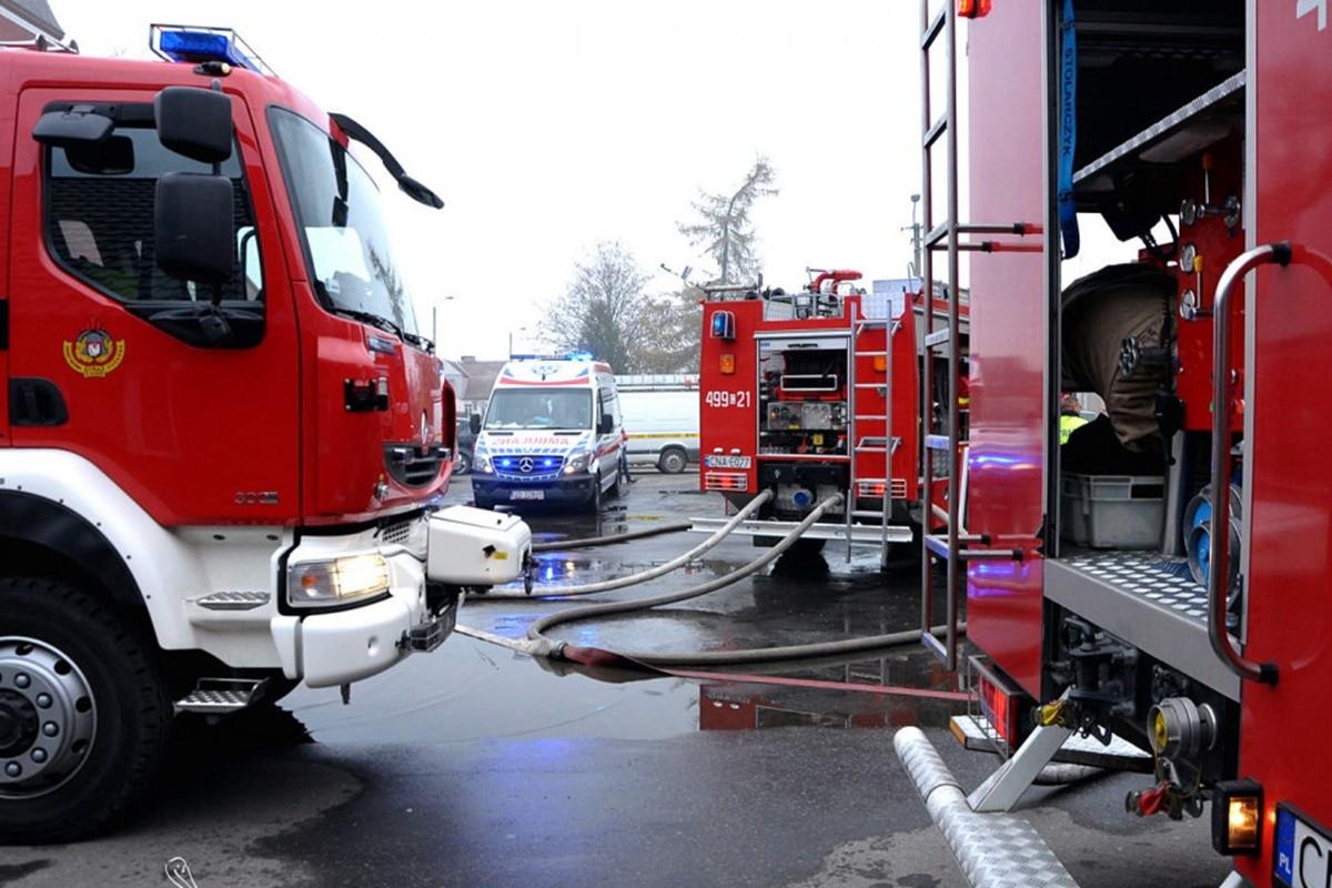 straż pożarna, ambulans_ na sygnale - Szubin_ MR(1)