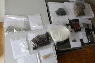 zabezpieczone narkotyki na Zazamczu_ KMP Włocławek (1)