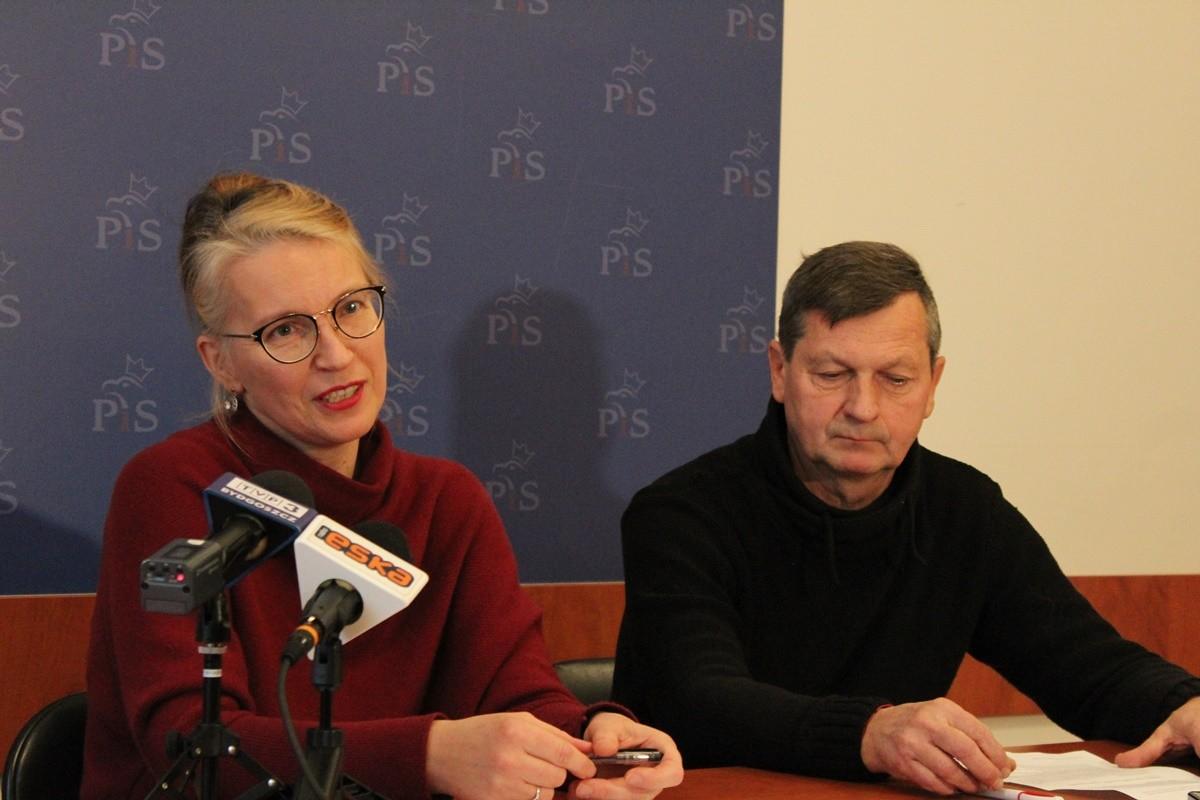 Grażyna Szabelska, Jerzy Mickuś _ SF